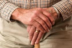 BMJ:全膝关节置换术后患者需要定期门诊康复治疗吗?