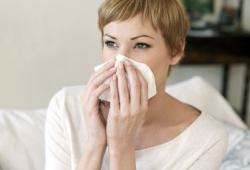 秋冬交替時節到來,該怎么拯救過敏性鼻炎?