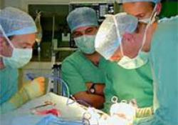 """矮小症患者<font color=""""red"""">双</font><font color=""""red"""">胎</font>合并心功能不全的剖宫产双管持续硬膜外麻醉管理1例"""
