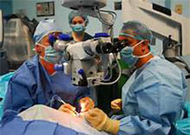 Circ:Cardiovasc Inte:经导管主动脉瓣置换术中经股动脉与经桡动脉次要通路的比较