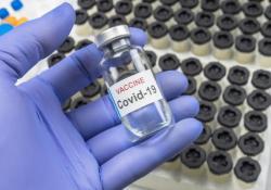 "继<font color=""red"">牛津</font><font color=""red"">大学</font>顶级新冠疫苗动物试验失败后,Science同日连发两篇论文称疫苗研发迎来新突破"