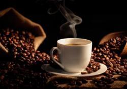 "AP&T:<font color=""red"">咖啡</font>喝的越多,肝脏相关死亡率就越低!"