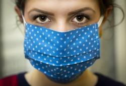 超20万人研究:戴口罩理由再加一!空气污染与骨质疏松发生相关!