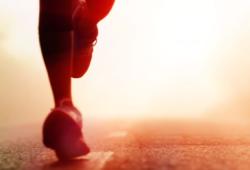 Age & Ageing:老年人日常步行活动与跌倒风险的关系