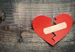 """<font color=""""red"""">压力</font>和情绪问题真的会让人""""心碎"""""""