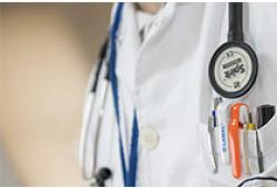"""化解基层看病""""操心事"""" 全国已组建近43万个家庭医生团队"""