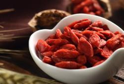 Am J Clin Nutr:枸杞可以增强健康饮食方式对心血管的保护作用