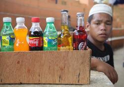 """青春期长期食用含糖饮料罹患大肠癌<font color=""""red"""">的</font>风险增加32%"""