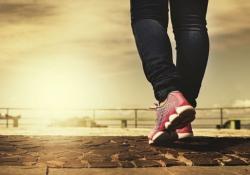 AHA:走路或可显著降低全因死亡率,每天4500步即可!