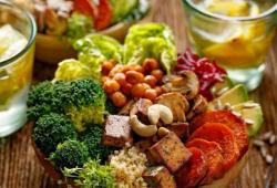 Eur J Vasc Endovasc Surg:地中海饮食可降低吸烟者患腹主动脉瘤的风险?