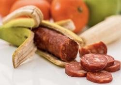 """BMJ:超加工食品摄入过多,患 <font color=""""red"""">IBD</font> 的风险增加 82%!"""