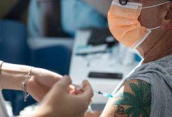 以色列78%新冠疫苗接种率,日新增高达6000例;mRNA疫苗真的有效吗?