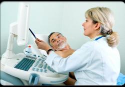 """声音嘶哑检查竟是喉癌,医生提醒:出现这些症状<font color=""""red"""">要</font>小心"""