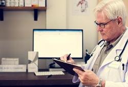 第八届全国血液肿瘤学术大会,多发性骨髓瘤国内最新治疗策略,看邱录贵教授给您一文理清