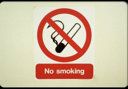 "Thorax:戒烟可提高近10%的<font color=""red"">结核</font><font color=""red"">病</font>治愈率"