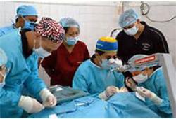 小儿口底颅脑贯通伤继发性困难气道麻醉管理1例