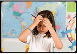 患有阿斯伯格综合征的男孩被误认为是高智商的孩子