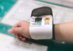 """双<font color=""""red"""">上肢</font>PICC置<font color=""""red"""">管</font>患者的血压这样测!"""