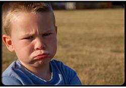 """如何区别患有自闭症的<font color=""""red"""">婴儿</font>跟正常发育的<font color=""""red"""">婴儿</font>"""