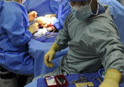 "Eur Heart J:经导管主动脉瓣植入中新一代自扩张瓣膜vs.球囊扩张瓣膜的比较:随机SOLVE-<font color=""red"">TAVI</font>试验"